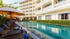 KRÁSY STŘEDNÍHO VIETNAMU + LITTLE BEACH BOUTIQUE HOTEL & SPA